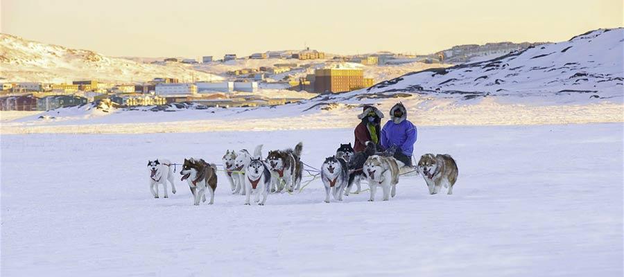 Dove vivono gli eschimesi? Gli Inuit in Canada con huskies