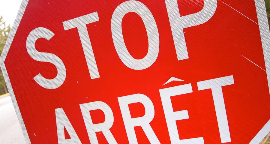 Lingue in Canada: segno stradale in Inglese e Francese