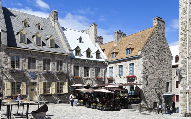 il cambio della guardia, negozi, caffè e un fascino di 400 anni fa nella Old Quebec