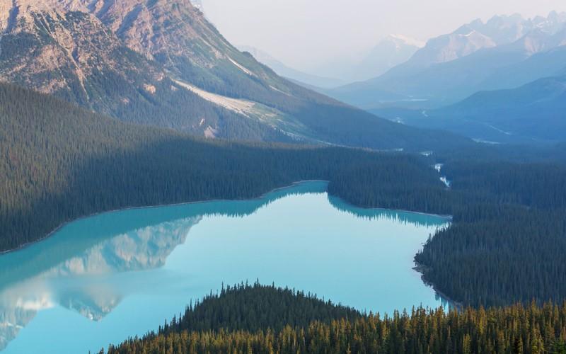 mai visto un lago a forma di testa di lupo?