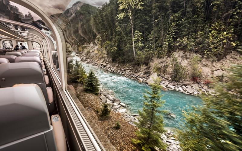 uno dei treni più panoramici e famosi del mondo tra British Columbia e Alberta!